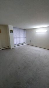*Early Move in Bonus*-1BedRoom-Downtown - Avaiable Immediately-