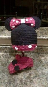 Crochet Hello Kitty and Minnie Mouse hat and Mitts Kitchener / Waterloo Kitchener Area image 2