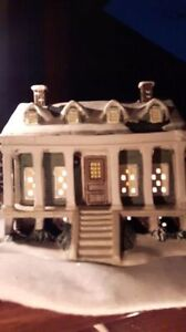 Hand crafted Christmas village collectible house for sale. Kitchener / Waterloo Kitchener Area image 2