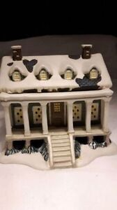 Hand crafted Christmas village collectible house for sale. Kitchener / Waterloo Kitchener Area image 3
