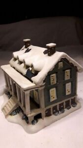 Hand crafted Christmas village collectible house for sale. Kitchener / Waterloo Kitchener Area image 5