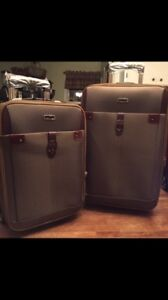 BRAND NEW LUGGAGE BAG SET