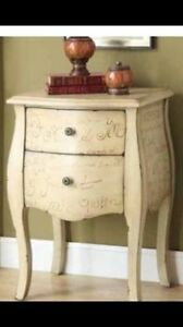 ACCENT TABLE IN VANTIGE STYLE STARTING FROM 175$