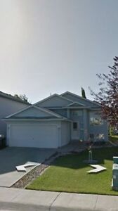 RENT HOUSE IN SHERWOOD PARK