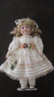 PORCELAIN DOLL – The Princess Collection NEW IN ORIGINAL BOX