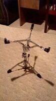 Snare Stand Caisse-Claire   40$