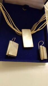 Silver Pendant and Earrings with stone Mother of pearl