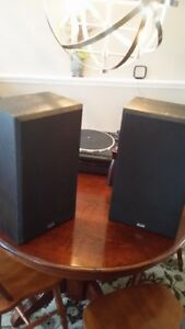 KHL 609B black speakers, sounds great!