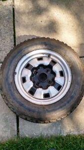 Dunlop SP Winter Max (3 winter tires on rim) R14