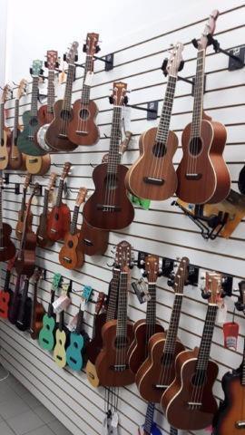 000 m1 st guitare neuve sigma guitars longueuil for Kijiji longueuil meuble