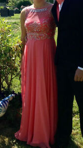 Evening/prom dress need gone ASAP