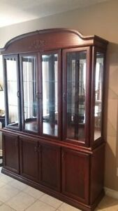 VERY BEAUTIFUL CHINA CABINET FOR SALE DARK OAK IN COLOR