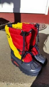 (411A) Girl's Winter Boots SOREL - Size 9
