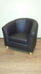 CHILDRENS BROWN CHAIR