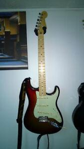 Fender American Deluxe Stratocaster®, Maple Fingerboard, 3-Color