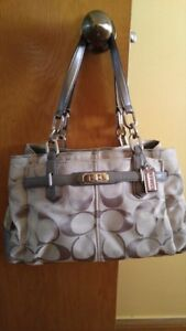Authentic Coach  Purse hardly used