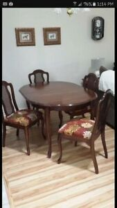 NEW PRICE NEED GONE ASAP Dinning room set and China cabinet