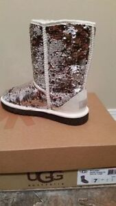 UGG-Authentic-New in Box-Size 7 SPARKLE