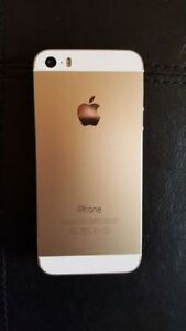 Iphone 5s white/gold 64GB locked with Bell Windsor Region Ontario image 2