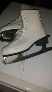 Size 6 womens figure skates