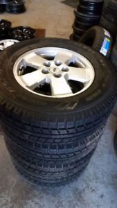 235 70 16 Michelin XIce on OEM Ford Escape alloys / TPMS