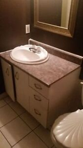 "☆☆☆☆☆WHITE 36"" BATHROOM COUNTERTOP & MIRROR - $90/OBO☆☆☆☆☆"