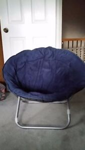 BLUE ROUND CHAIR...VERY COMFORTABLE!