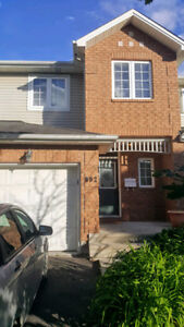 Room for Rent in 3 bedroom Townhome in Orleans (off Innes)