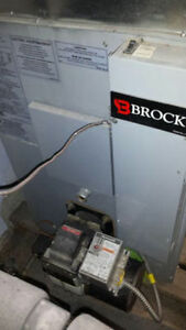 BROCK OIL FURNACE LIKE NEW CONDITION HEAT