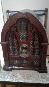 Reproduction Antique Radio – Works Perfectly!