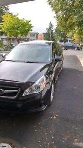 2010 Subaru Legacy 2.5 Berline très propre/ very clean