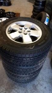 235 70 16 Michelin XIce Ford Escape Mazda Tribute 5x114.3 / TPMS
