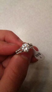 Beautiful 14k White Gold Engagement Ring FOR SALE