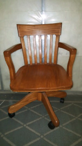 Solid Oak office chair (Henderson)