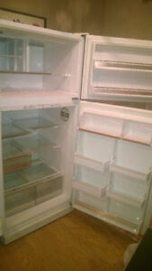 MOVING SALE ! WHITE KENMORE 18.6CU.FT refrigerators for sale.
