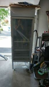 Refrigerateur Commercial Vitree / Commercial Display Fridge