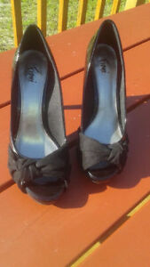 beautiful shoes, black, lacy