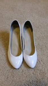 ladies highhill shoes in perfect condition