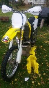 2004 suzuki RM 250!! lots done, awesome bike!