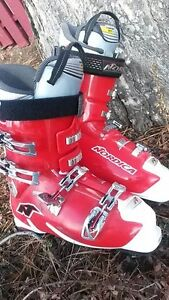 NORDICA downhill ski boots men's size 30.5 or US 12 In excellent