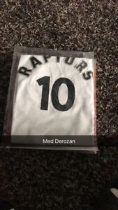 Demar DeRozan Toronto Raptors Medium Brand New Tags