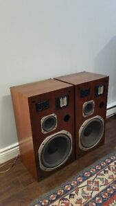 Vintage Realistic Optimus speakers (Rare Model). Awesome sound.