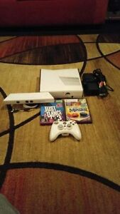 4GB WHITE XBOX 360 SLIM INCLUDES CONTROLLER + KINECT + 9 GAMES
