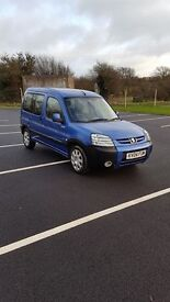 Peugeot partner combi multispace escapade model 04 air con 2litre hdi low miles tow bar CAN DELIVER