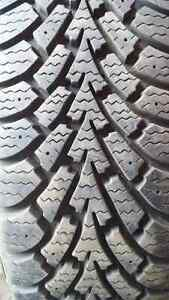 Goodyear Nordic (175 70 14) 2 pneus tires less than 1 season use