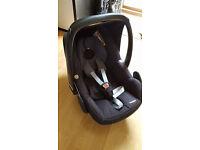 Maxi Cosi Pebble black car seat