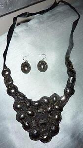STATEMENT NECKLACE SET REDUCED