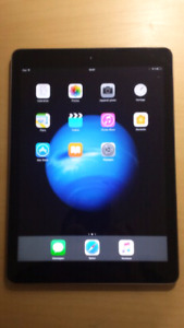 Original iPad Air 64GB,WiFi + SIM 4G unlocked.Comme neuf