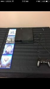 SONY PS4 WITH 4 GAMES FF15 FINAL FANTASY 10, MEGA MAN