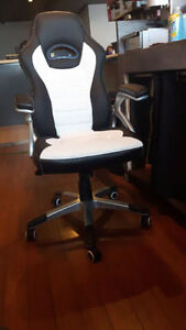 Chaises pour gamer neuves / Brand new gaming chair ! Saguenay Saguenay-Lac-Saint-Jean image 3